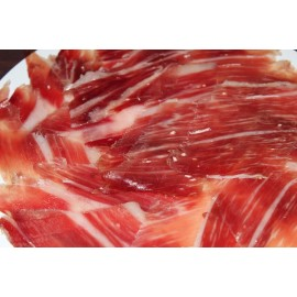 Slices of Iberian acorn ham (50% Iberian breed)